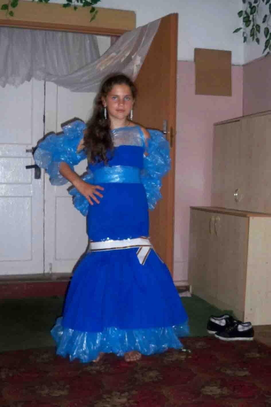 Платье своими руками из пластиковых пакетов